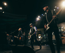 15_FloggingMolly
