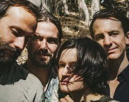 big-thief-two-hands_1570627142